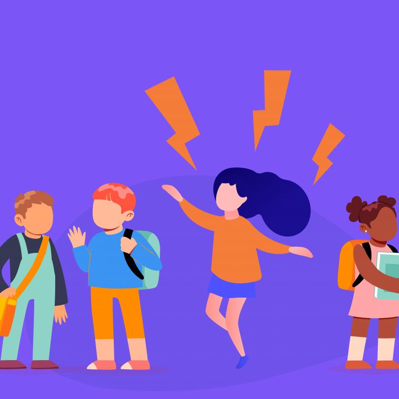 A ilustração tem fundo roxo e mostra 4 crianças em idade escolar. Elas estão alinhadas lado a lado, com mochilas e livros. A terceira criança no sentido esquerda para a direita está pulando, com alguns raios dispostos ao seu redor, sinalizando a energia da hiperatividade associada ao transtorno do déficit de atenção (TDAH).